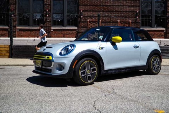 a 2021 mini electric 2 door hardtop