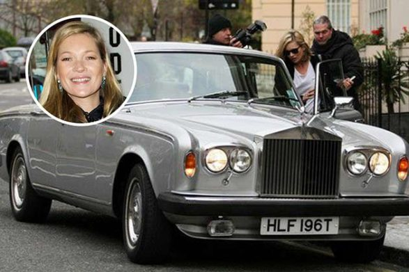 kate moss getting into her silver car