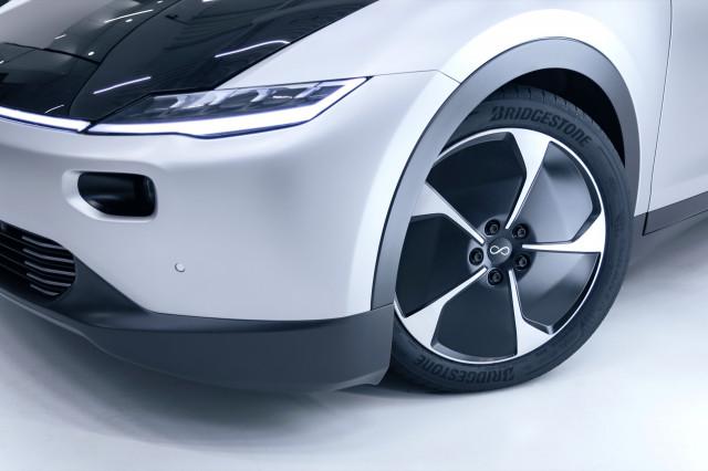 Lightyear One solar car with Bridgestone tire