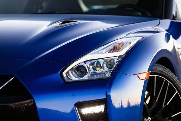 2021 Nissan gtr headlight