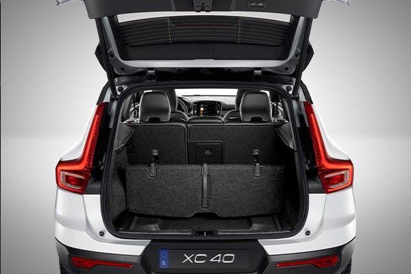 2021 volvo xc40 trunk